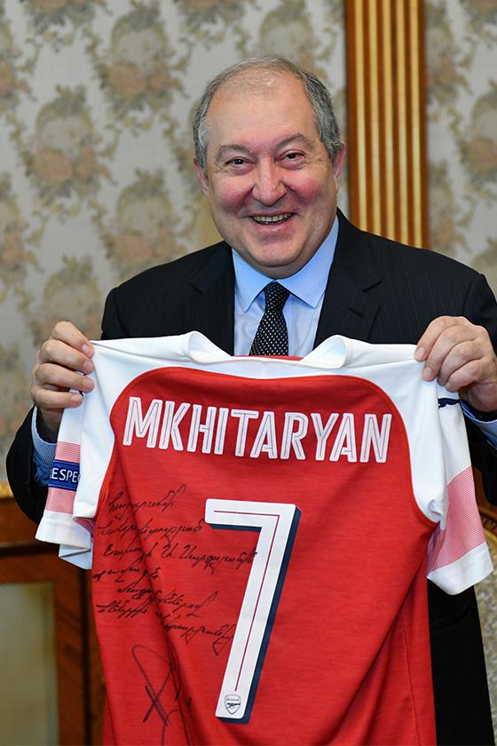 Mkhitaryan President 03 - P
